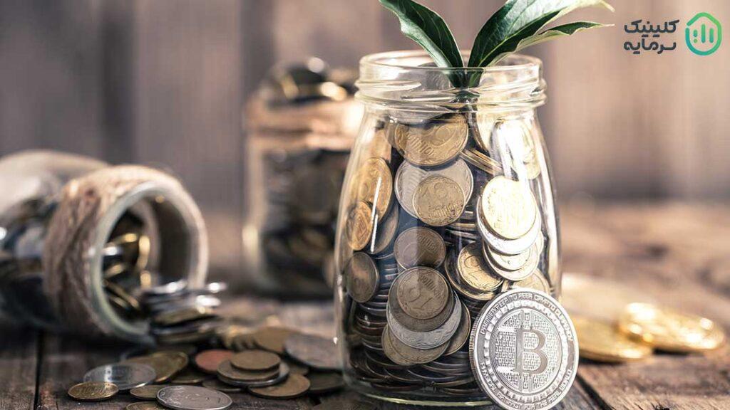 هولد ارزدیجیتال برای سرمایهگذاران تازه وارد از جذابیت بیشتری برخوردار است. آنها با هولد کردن میتوانند از مجموعه فعالیتهای تخصصی و پیگیریهای لازم برای معاملهگران دور بمانند و در عین حال سرمایهگذاریهای بسیار سودآوری هم داشته باشند.